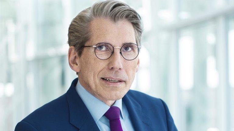 """DAK-Chef übt scharfe Kritik: """"Das Impfmanagement ist desaströs!"""""""